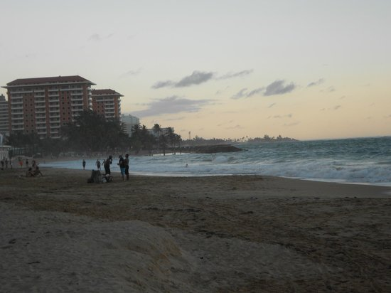 BEST WESTERN PLUS Condado Palm Inn & Suites: Beautiful beach view-four minute walk from hotel