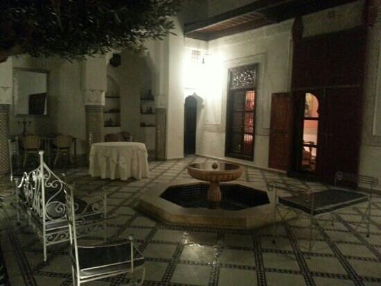 Riad Agdid: patio