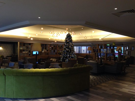 Hilton Bristol Hotel: Modern lobby area
