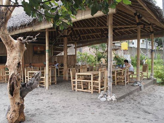 Warung Paradiso : Restaurant space