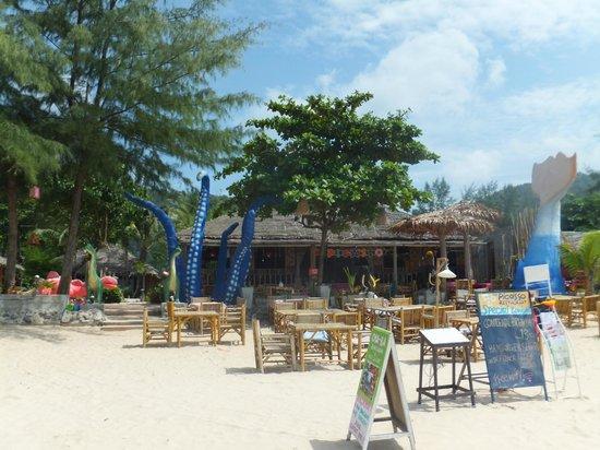 Khlong Dao Beach: the picasso beachbar