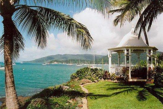 Coral Sea Resort: Hotel Garden