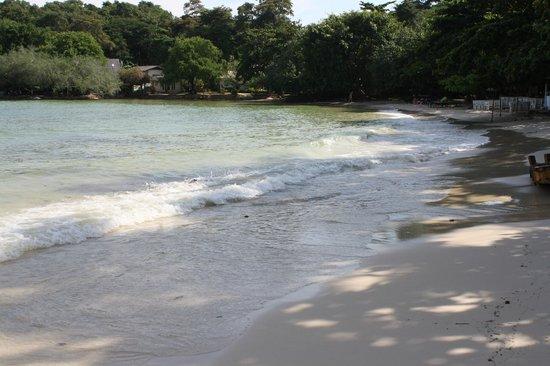 Vongdeuan Resort : пляж