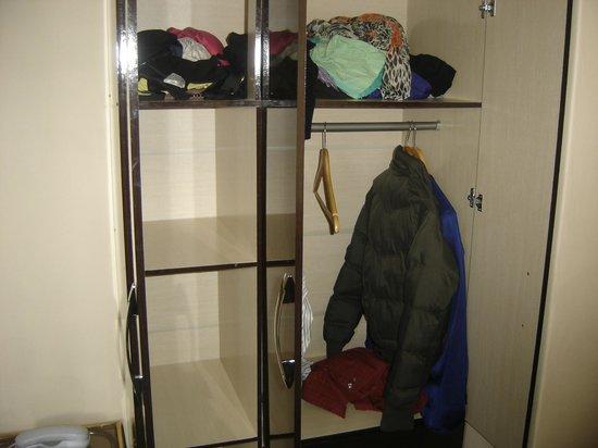 Tambo del Solar Hotel: Closets amplios