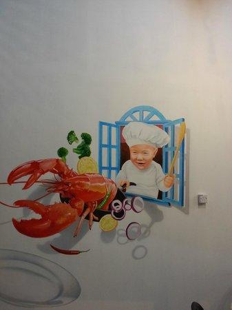 Pinang Taste Seafood Restaurant: Nice wall art in the restaurant!