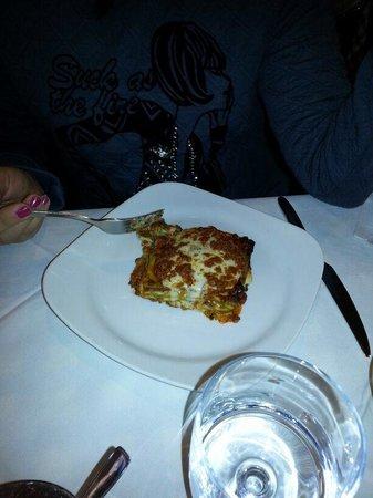Lasagne alla bolognese foto di ristorante pizzeria il for Il portico pizzeria bologna