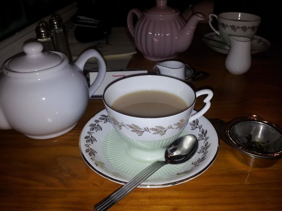 The Old Vestry Tearooms: lovely cuppa!