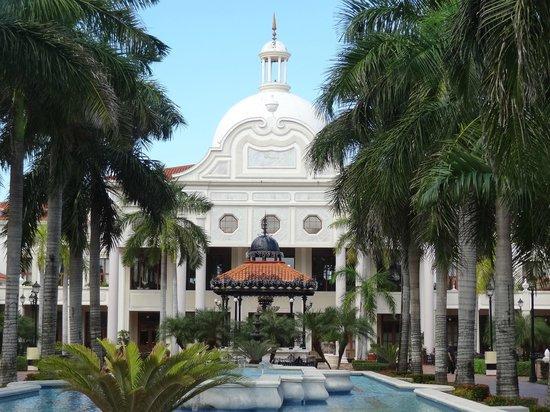Hotel Riu Palace Riviera Maya : The resort