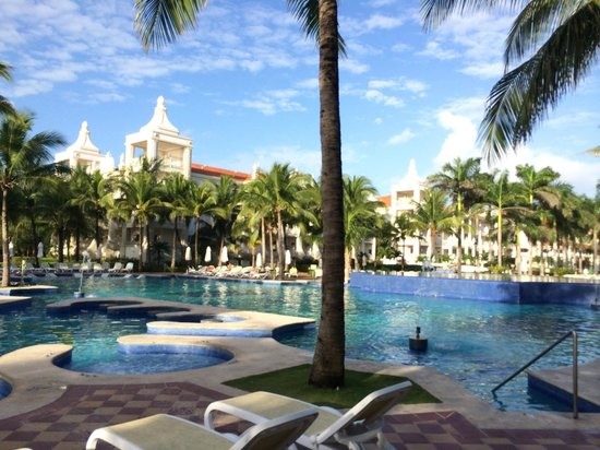Hotel Riu Palace Riviera Maya : Pool area