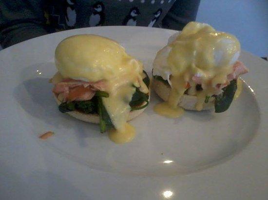 Merchants Manor: My delicious breakfast!