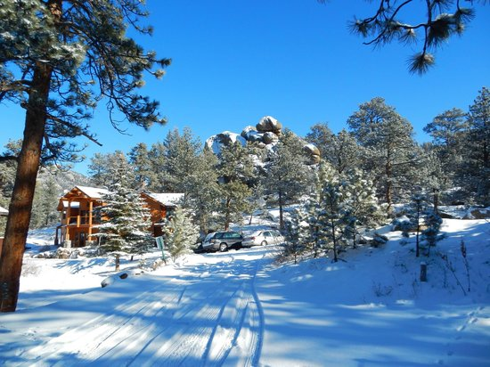 Black Canyon Inn: fresh snow