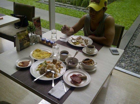 Grand Aston Yogyakarta: Breakfast....