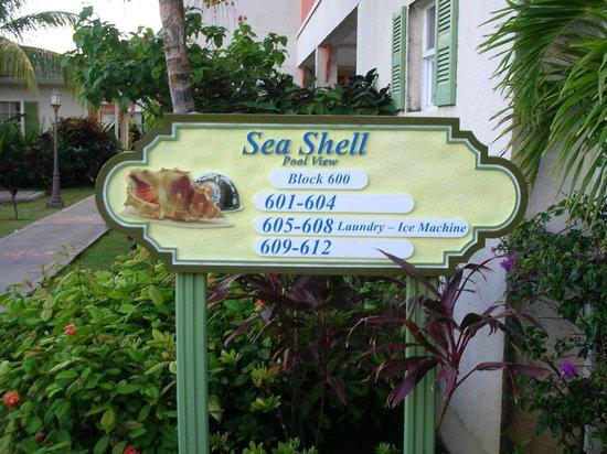 Bay Gardens Beach Resort: Our room was 601