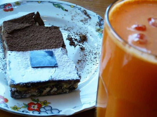 Chiado : Torta + Jugo zanahorias, naranjas y jengibre