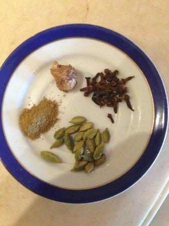 Esphahan: Masala chai spices