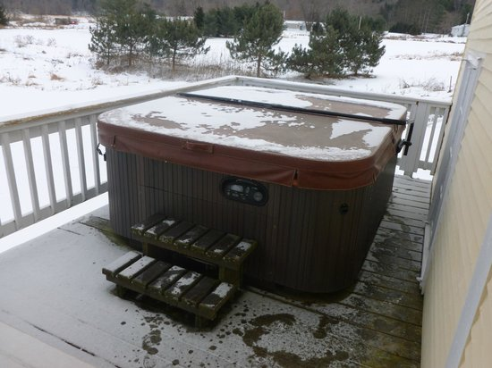 Mad River Inn: Outdoor Hot Tub
