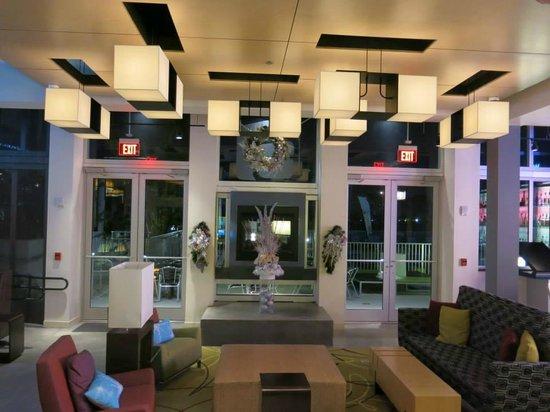 Aloft Miami Doral: lobby bar