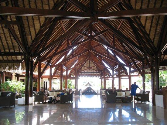 InterContinental Moorea Resort & Spa: Le hall de l'hotel