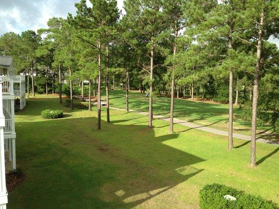 Brunswick Plantation Golf Resort: Third Floor Condo - Golf Course View
