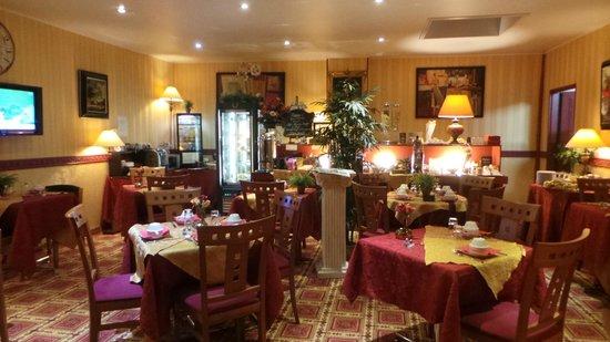 Hotel Bonaparte: jolie salle où nous avons pris notre petit déjeuner très copieux