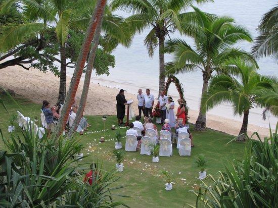 The Warwick Fiji : Fiji beach wedding