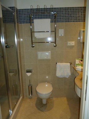 Hestia Hotel Ilmarine: Our bathroom