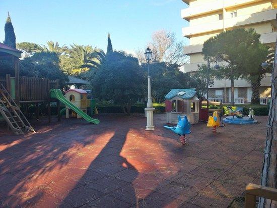 Park Hotel Marinetta : area giochi esterna