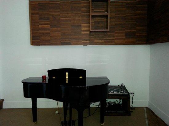 The Classic Hotel: piano bar