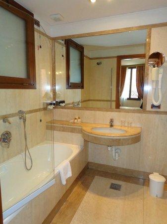 Kette Hotel : Baño