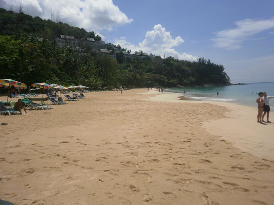Baan Chaba Bungalows : plage de kamala