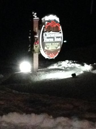 Christmas Farm Inn: Snow Covered Sign