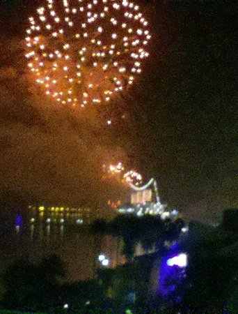 Residence Inn Long Beach Downtown: View of Fireworks from room