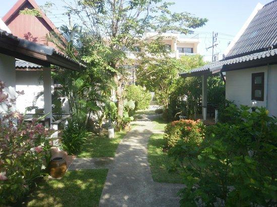 Baan Chaba Bungalows: jardin