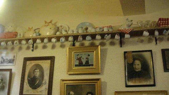 Chez Paul: Muitos porcos na decoração