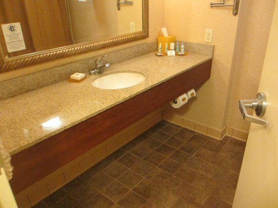 Chesapeake Beach Resort and Spa : Bathroom.