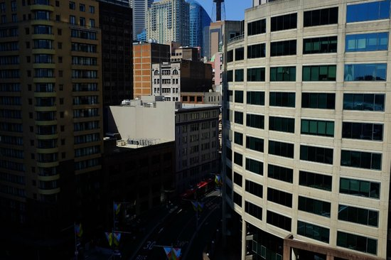 PARKROYAL Darling Harbour Sydney : view from my room… 8th floor