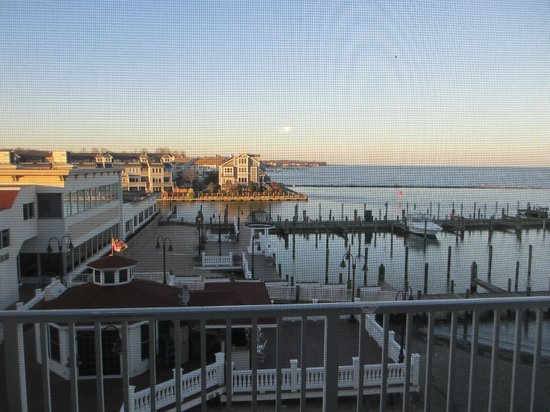 Chesapeake Beach Resort and Spa : View of marina from room.