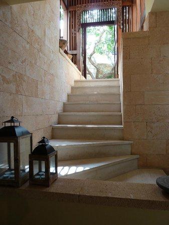 Hotel Rastoni : Entrée vers l'accueil de l'hôtel
