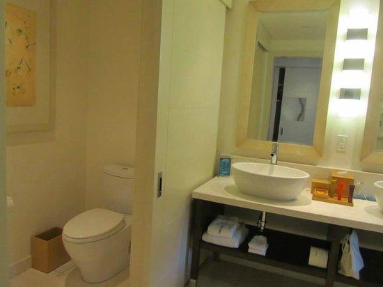 Kimpton EPIC Hotel: banheiro