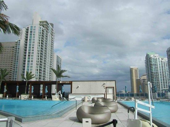 Kimpton EPIC Hotel: piscinas