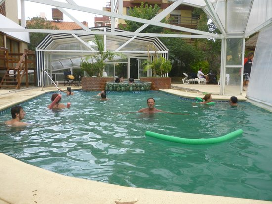 Hotel Chiavari: PILETA CLIMATIZADA
