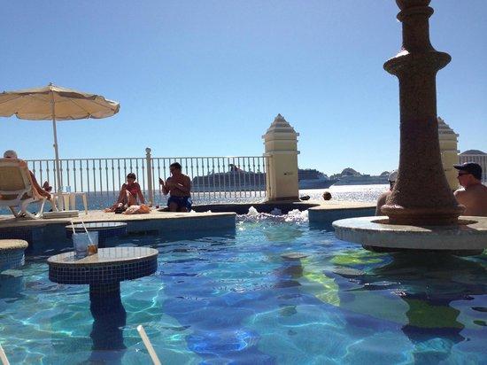 Hotel Riu Palace Cabo San Lucas : Adult non-smoking pool