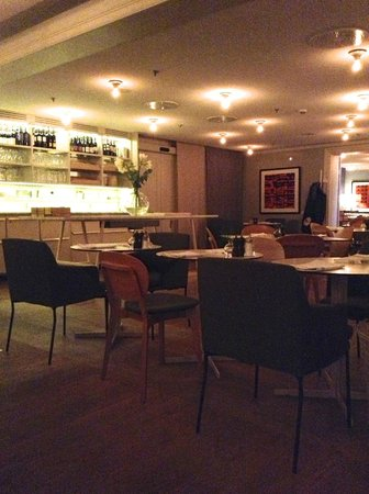 Hotel Skeppsholmen : Speisesaal am Abend - ganz gemütlich