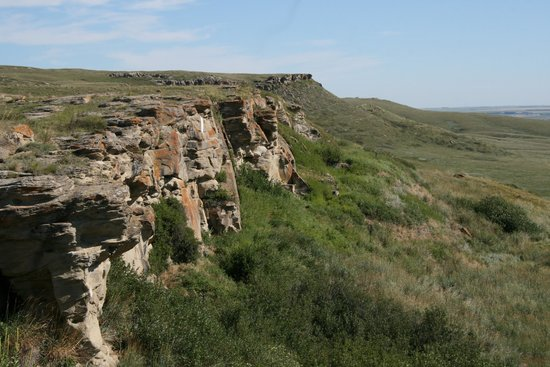 Head-Smashed-In Buffalo Jump: cliffs where the buffalo jumped