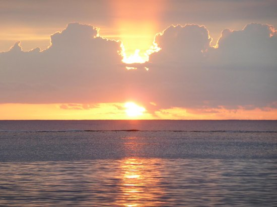 La Pirogue Resort & Spa-Mauritius: coucher de soleil