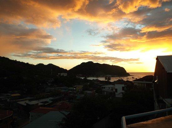 Maracuya Hostel : Sunset view from Terrace