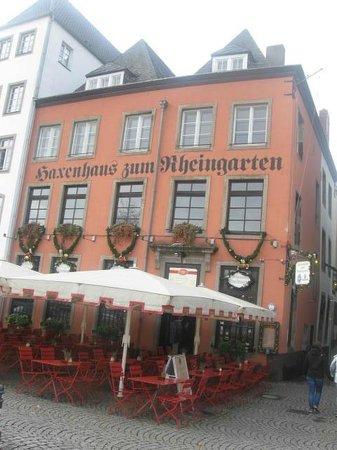 Haxenhaus zum Rheingarten: Friendly red building standing out