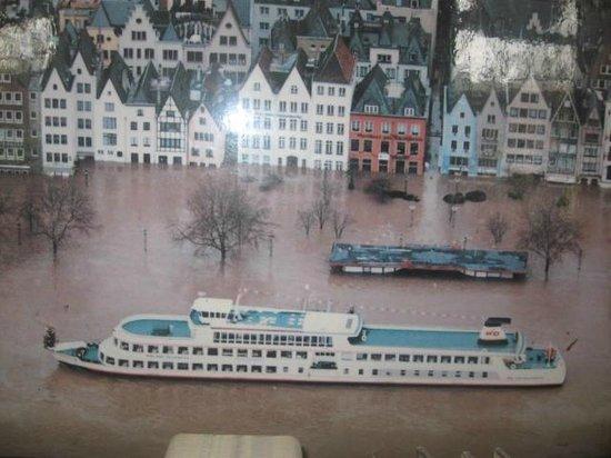 Haxenhaus zum Rheingarten: Flooded with boats outside the front door