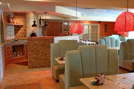 Cloud 9 Restaurant at the Senator Inn & Spa: Lower dining area