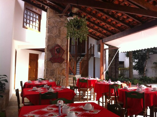 Pousada Valhacouto: local do café da manha